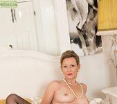 Huntingdon Smyth - Karup's Older Women 13
