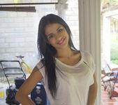 Sunny Smile - Denisse Gomez 2