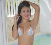 Sunny Smile - Denisse Gomez 5