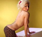 Roxanna Blonde Temptress - Spinchix 11