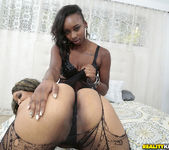 Naomi Gamble, Vixen Vanity - Laying Pretty - Round And Brown 6
