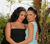 Juliana Grandi & Sonja Black 5