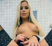 Velvet Blonde - Lara 9