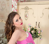 Sophia Delane - Showing Off 9
