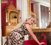 Jade Wilson - Karup's Older Women 4