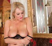 Jade Wilson - Karup's Older Women 14