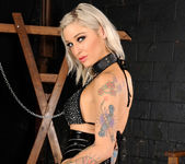 Bonnie Rotten and Kleio Valentien - Down Here If You Dare 6