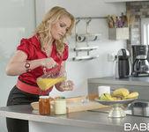 Breakfast In Bed - Gina Gerson, Kathia Nobili, Leny Ewil 2
