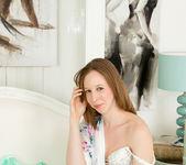 Katie White - Simply Sexy - Anilos 4