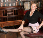 Mrs Huntingdon Smythe - Masturbation Class 4