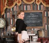 Mrs Huntingdon Smythe - Masturbation Class 9