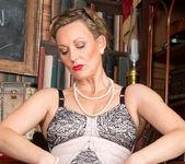 Mrs Huntingdon Smythe - Masturbation Class 13