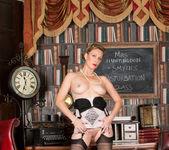 Mrs Huntingdon Smythe - Masturbation Class 24