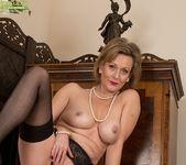 Huntingdon Smyth - Karup's Older Women 21