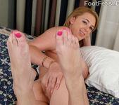 Brooke Wylde - Foot Fetish Daily 8