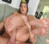 Presley Hart - Got the mood for some foot! - Foot Job Fiesta 19