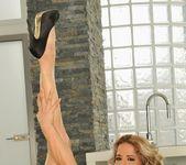 Ana Honte Real - Pleasure Room - Foot Job Fiesta 3
