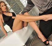 Ana Honte Real - Pleasure Room - Foot Job Fiesta 10