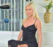 Vanessa Hell - Bombshell Blonde 6