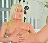 Vanessa Hell - Bombshell Blonde 22