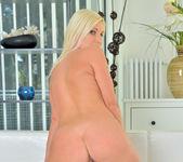 Vanessa Hell - Bombshell Blonde 23