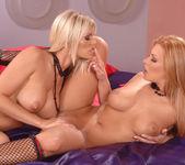 Wivien & Dorothy Black 6