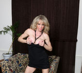 Elizabeth Green - Dirty Blonde MILF with nice tits 10