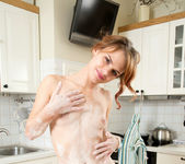 Gerda kitchen fun - Nubiles 20