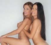 Dellai Twins - Watch4Beauty 8