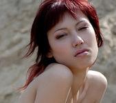 Plage sauvage - Yuliya 15