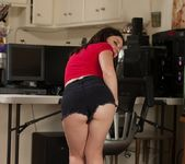 Amy Faye hairy pussy PC Gamer 3
