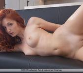 Pretty Hot - Foxy T. - Femjoy 7