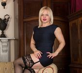 Sophie May - milf in stocking spreading 3