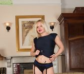 Sophie May - milf in stocking spreading 7