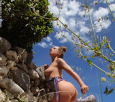 Vivien - The Naked Truth - PhotoDromm 6