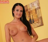 Nicole Vice showing off her body 14