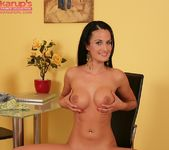 Nicole Vice showing off her body 20