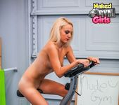 Beginner Workout - Juliana - Naked Gym Girls 8