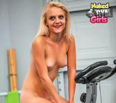 Beginner Workout - Juliana - Naked Gym Girls 9