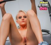 Beginner Workout - Juliana - Naked Gym Girls 10