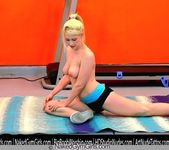 Special Guided Nude Workout! - Delilah Blue 4