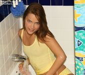 Meggan Mallone - Yellow Bath 5