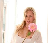 Kara Duhe - White Flower 3