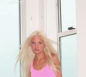 Franziska Facella - Pink 3