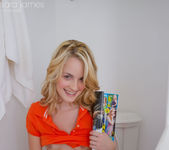 Sara James - Bathroom 15