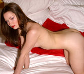 Vicky Vee - Red Bed 12
