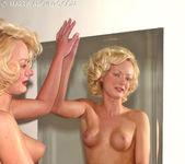 Melissa - Mirror 15