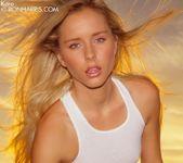 Glamorous babe Kara Duhe posing nude 5