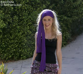 Glamorous Kara Duhe outdoors in her sexy, bohemian outfit 2
