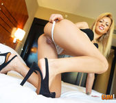 Anita Ribeiro - Super Size Meat 4